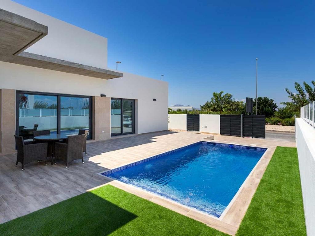 3 Bedroom Villa in Daya Nueva
