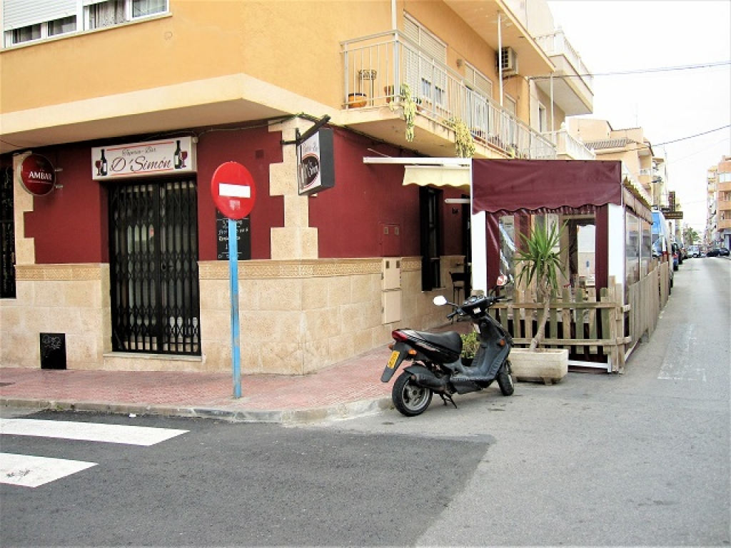 Bar in Virgen del carmen ,torrevieja_ traspaso 20.000€