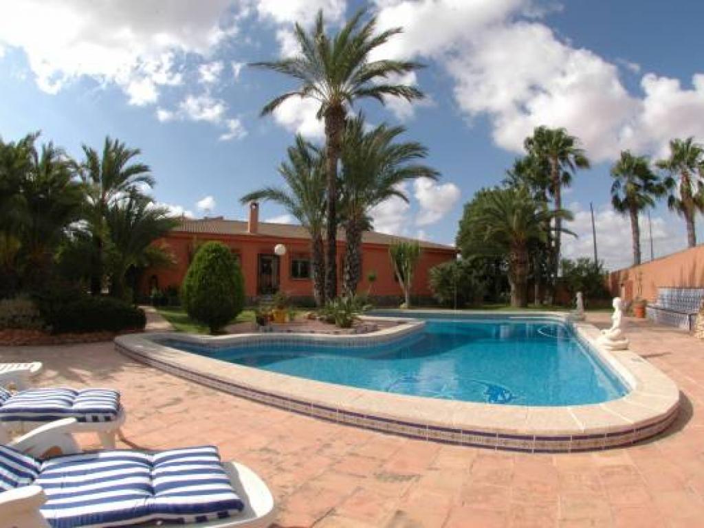 5 Bedroom Villa in El Chaparral
