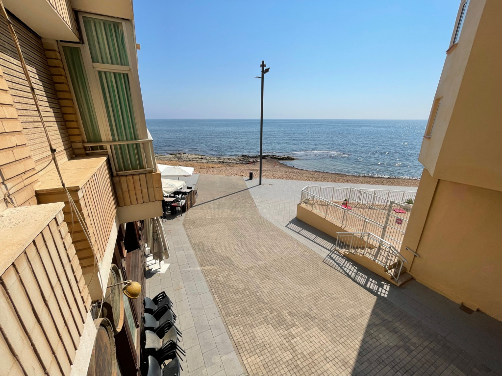 First line of the sea 3 bedrooms in Torrevieja